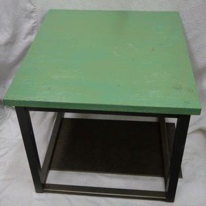 SIDE/ACCENT TABLE Rustic Wood & Metal PRICED CHEAP